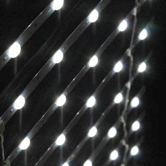 Zeta LED Lattice Ladder lensed side view