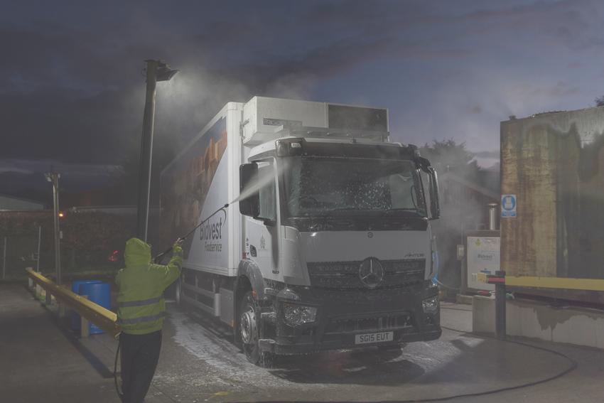 Zeta LED Flood Lights at Bidvest, Lee Mill washing lorry slider