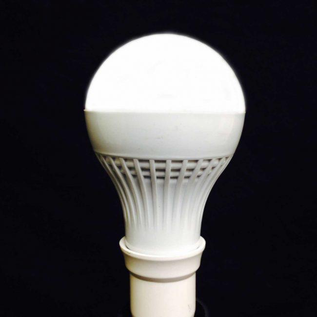 Zeta Flashing LED Belisha Lamp lit